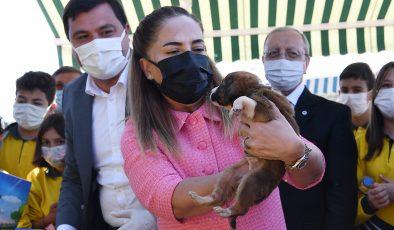 Uşak Belediyesi Hayvanları Koruma Günü Dolayısıyla Hayvan Barınağında Programa  Düzenlendi