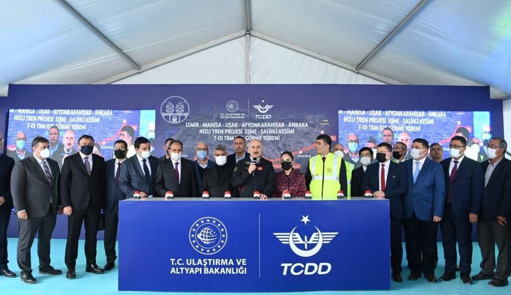 """""""İLKLERİN VE ENLERİN"""" TÜNELİ T1 IŞIĞA KAVUŞTU"""